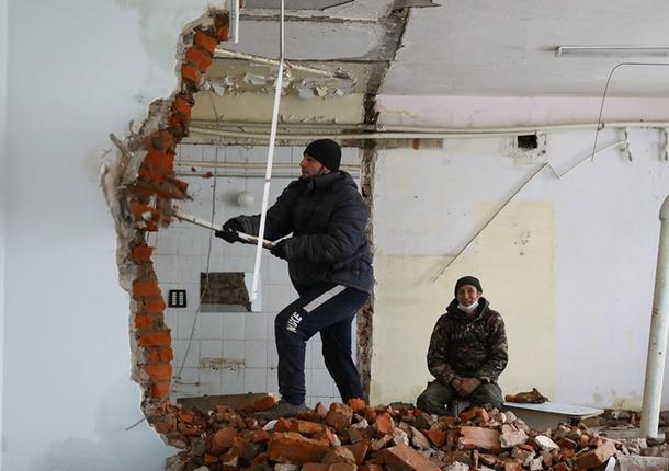 Работы по капитальному ремонту для размещения школы №1 Якутска стартовали в здании бывшего ЯТЭК